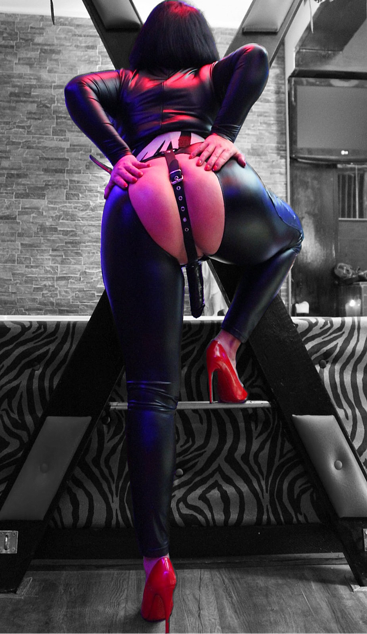 Mistress Nikita, ook escortMeesteres