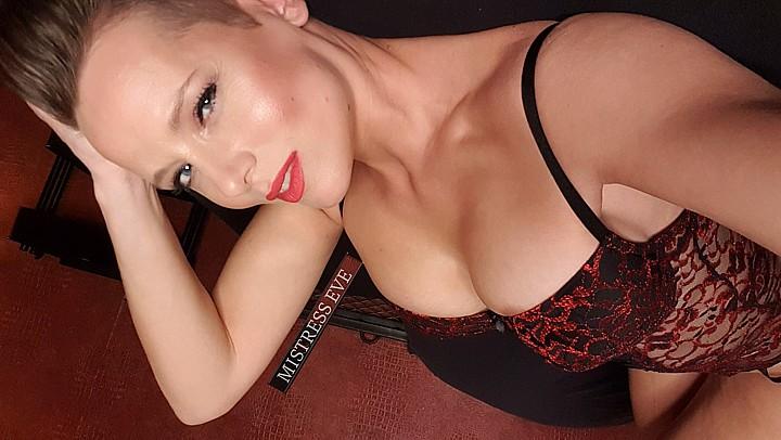 Online domineren, ook door de Nederlandse Mistress Eve