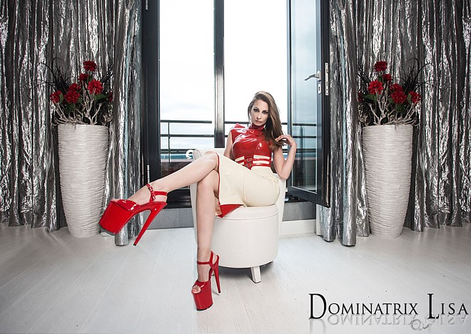 dominatrix-lisa-29-4-16