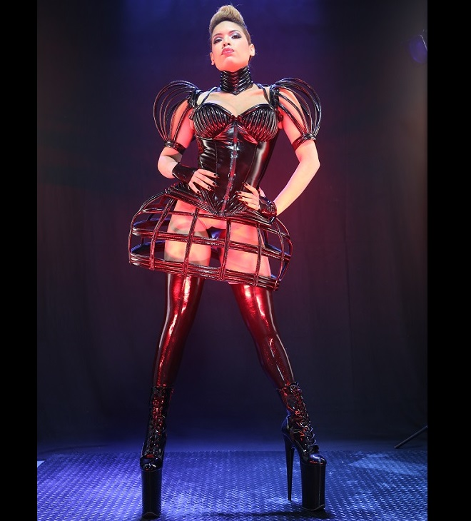 rubberdoll-gini-golden-cage-23-10-16